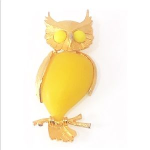 Vintage Rolled Gold & Yellow Resin Owl Brooch